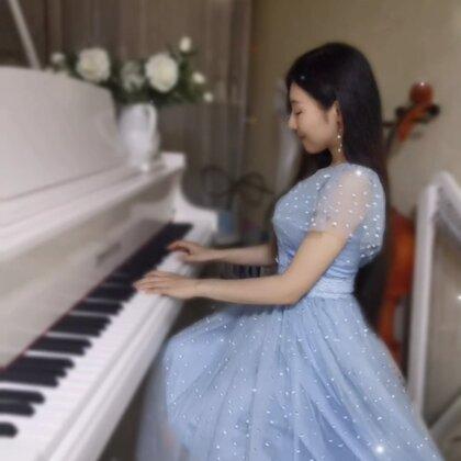 """""""只愿得一人心,白首不分離""""??#鋼琴##音樂##水鋼琴惟一#@美拍小助手 @三火Producer"""