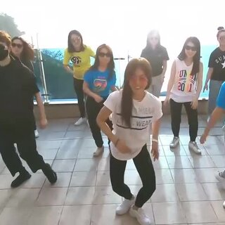 #NTC健身##減肥瘦身# 還是比較喜歡這種風格,#健身#  女生跳起來也活力帶感! #運動健身# 刷多少遍都不會膩的Zumba尊巴舞,#燃脂#  跳出活力棒棒噠!