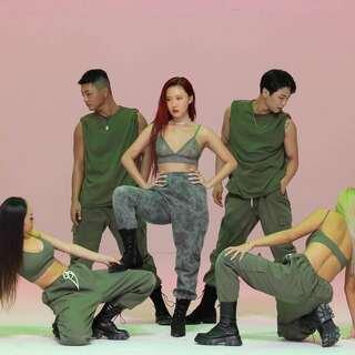 #华莎 - Maria#舞蹈接力[4K高清],喜欢就翻跳吧!记得关注本账号@敏雅可乐 😉#舞蹈##敏雅韩舞专攻班#http://www.minyacola.com/