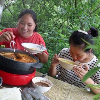 天气热不知吃啥?胖妹做酸汤火锅鱼,开胃又解腻,老妹连汤都喝了#美食#
