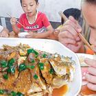 做紅燒魚,賣相不好味道卻不錯,孩子吃得好香 #我要上熱門##美食##農村#