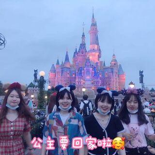 在迪士尼跳個猛男舞#上海迪士尼樂園##迪士尼#