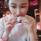 #吃秀吃播##吃烤鴨#終于吃到了我心心念念的烤鴨??!這家餐廳真的是我最愛的中餐廳沒有之一!菜品全部都完美,沒有任何雷區!閉著眼睛點都不會錯!非常好吃!吃得我喲??????